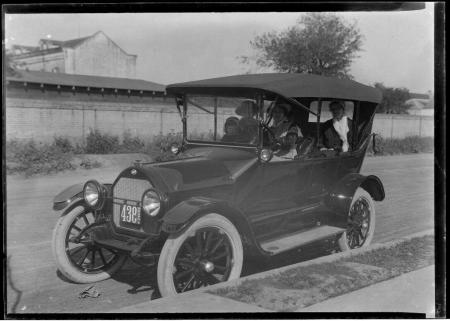 Caption: A Model T Ford in Texas, c. 1920. The automotive revolution of the early twentieth century dramatically in creased the global demand for rubber. Source: The Robert Runyon Photograph Collection (http://runyon.lib.utexas.edu/), image number 08368, courtesy of Th e Center for American History, The University of Texas at Austin.
